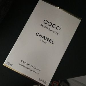 Coco Mademoiselle Chanel box